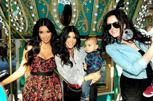 entertainment, the kardashians, christmas card, 2013 christmas, lachapelle