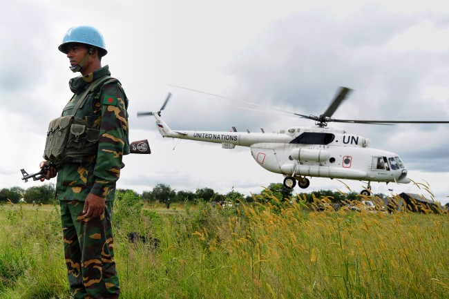 south sudan evacuated with UN helicopters