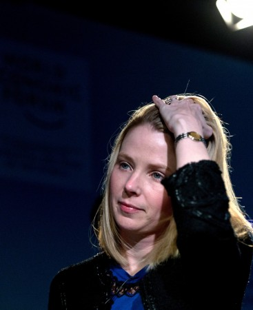 Mayer has clean-up work to do to win back angered Yahoo mail users