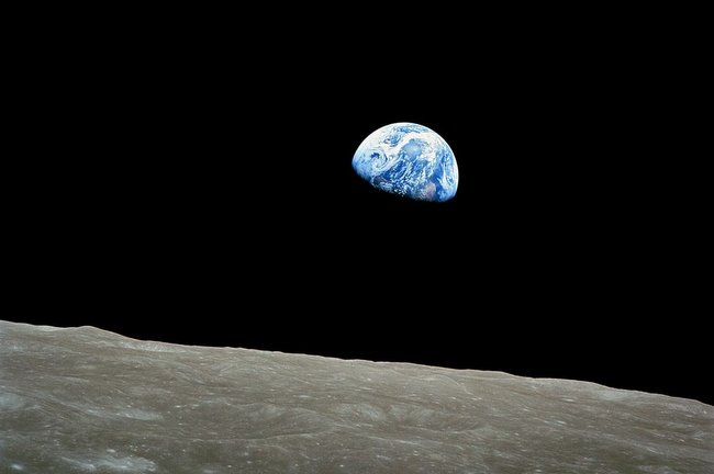 Apollo 8 Earthrise Photo Recreated