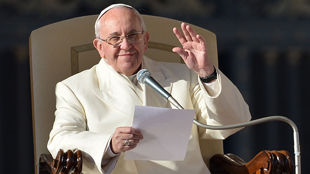Pope Francis offers the world a message of unity