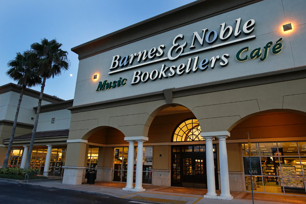 Barnes & Noble decline in digital sales