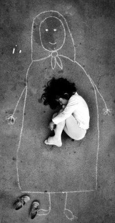 Orphaned girl in Iraq