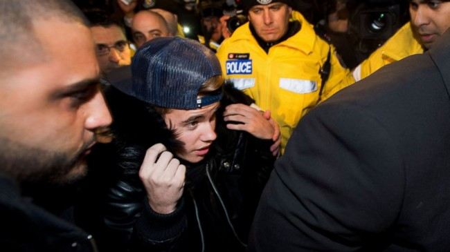Justin Bieber, entertainment, jet detained