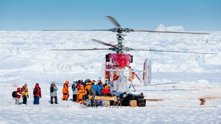 Snow Dragon helicopter rescues crew of the MV Akademik Shokalskiy