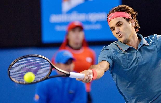 Australian Open: Federer Cruises Past Tsonga