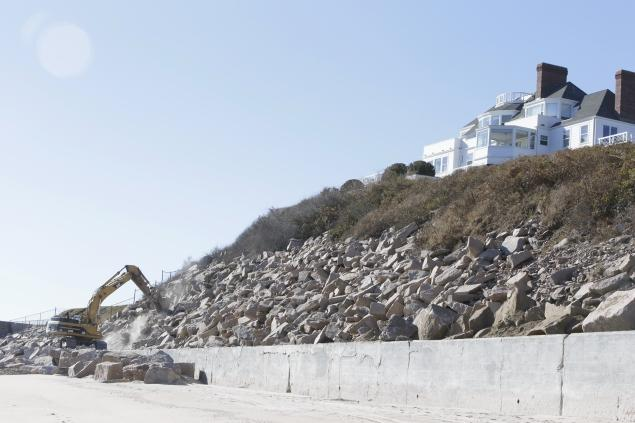 Taylor Swift renovates next to beach.