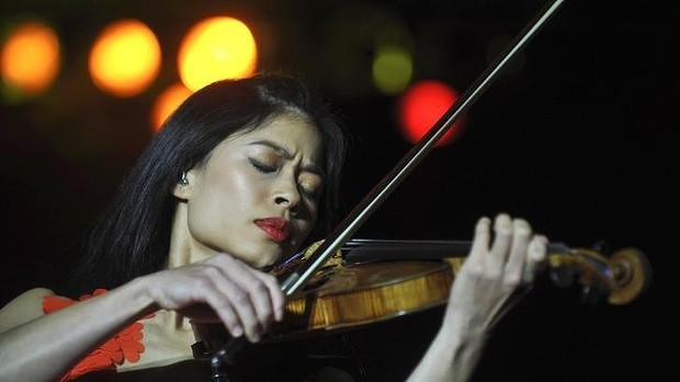 Violinist Vanessa-Mae Slaloms in Sochi