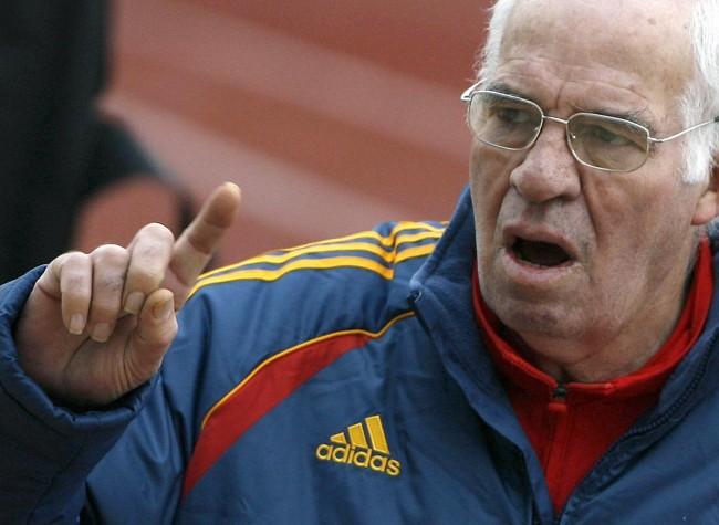 Aragones, sports, dies