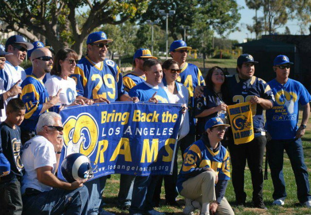 NFL Return Rams to Los Angeles