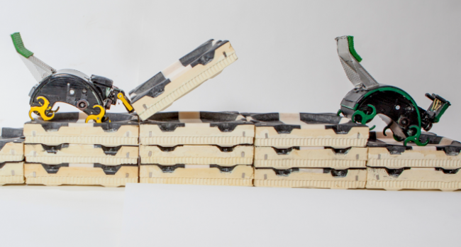 Robots Inspired by Termites Assemble Complex Structures Independently