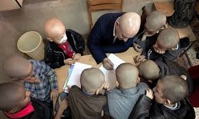 Inspirational Iranian Teacher Goes Bald to Help Student: Whole Class Follows