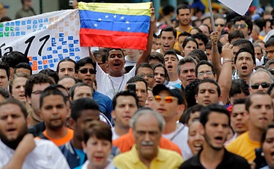 Venezuela Violence Kills Two and Sparks New Tensions
