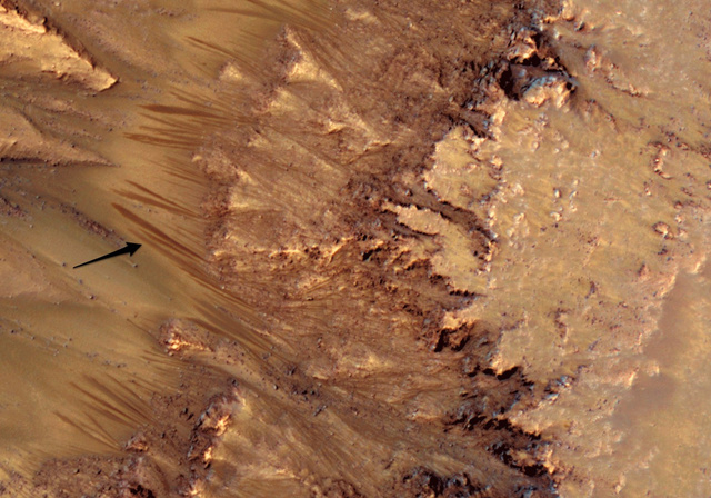 RSL on Mars Proof Water Still Flows There? (Video)
