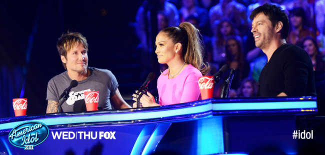American Idol Top 10 Finalists Perform (Review & Videos)