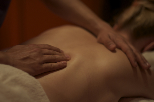 find massage with happy ending Chicago, Illinois