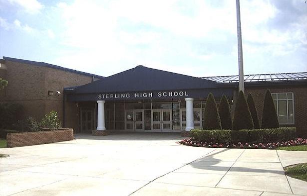 Tweet prompts NJ high school senior to sue school district