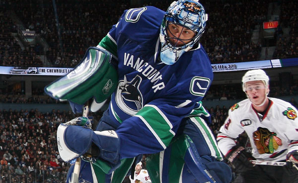 Roberto Luongo Vancouver Canucks NHL Sports Martin Brodeur NHL Deadline