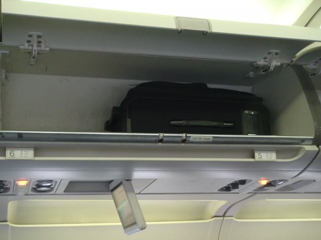 pics photos united airlines cracks down on carry ons by