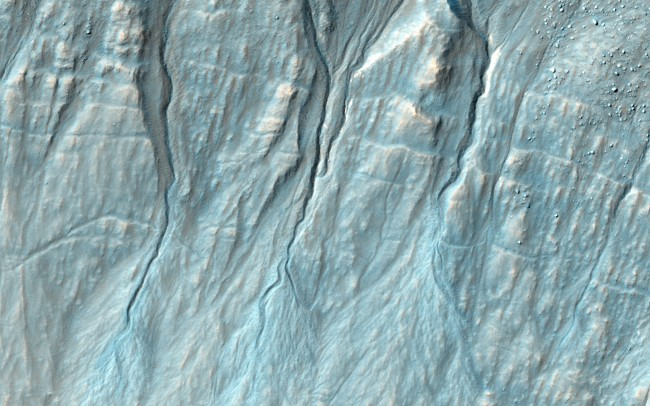 NASA Reveals New Gully on Mars