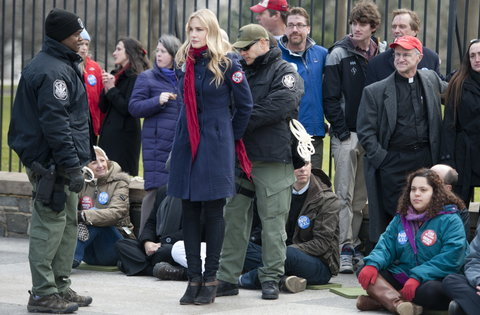 Keystone XL Protesters Strapped Themselves to White House Fence