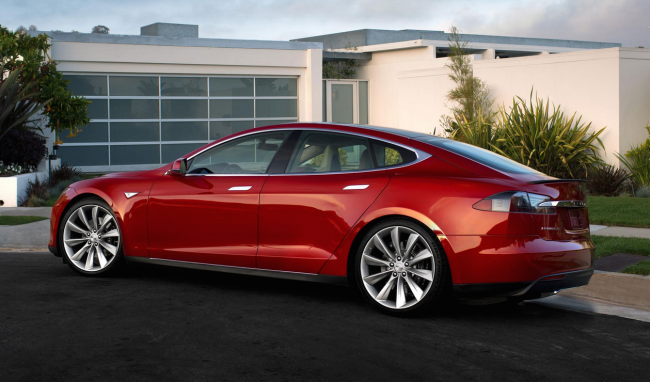 Tesla Investors Should Worry About Sky High Stock Price