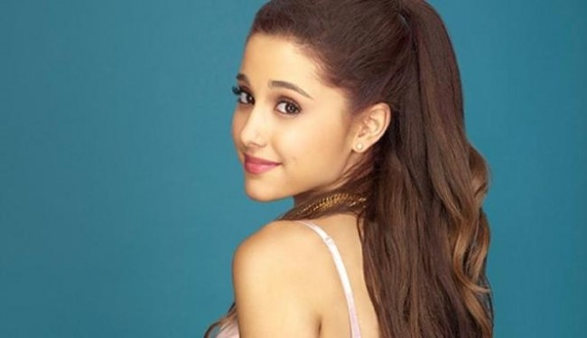 Ariana Grande 'Problem' Tops Charts First Day on iTunes