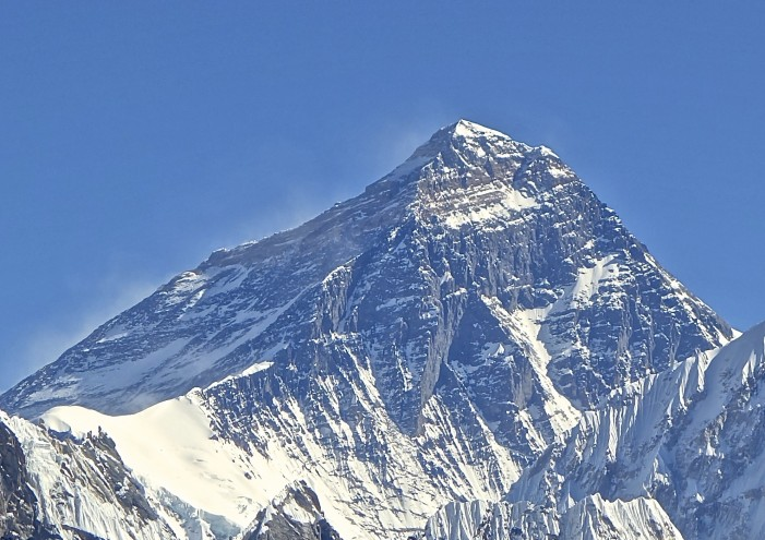 Everest Avalanche Claims 13th Victim