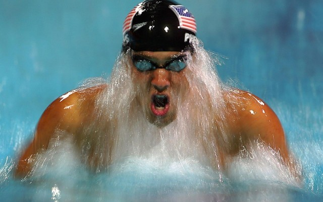 Michael Phelps Splashes out of Retirement
