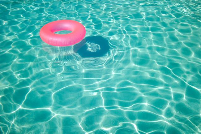 peeing in pool
