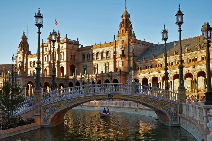 María Luisa Park in Sevilla: A Landscape of Arts and Culture