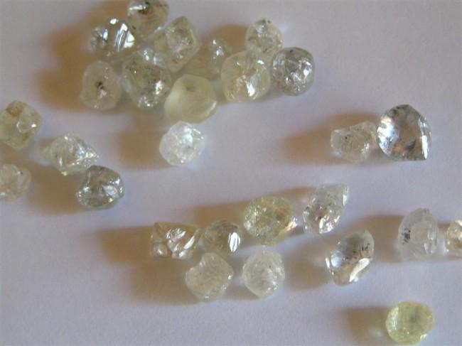 stolen, 3-carat diamond