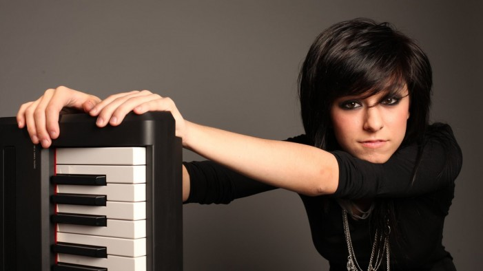Will Christina Grimmie Sign With Lil Wayne? [Video]