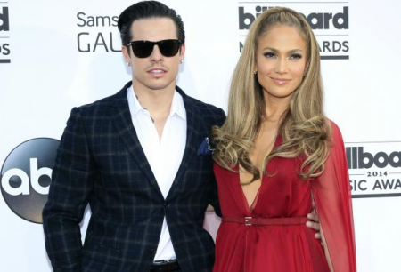 Jennifer Lopez Reacts Smartly to Casper Rumor