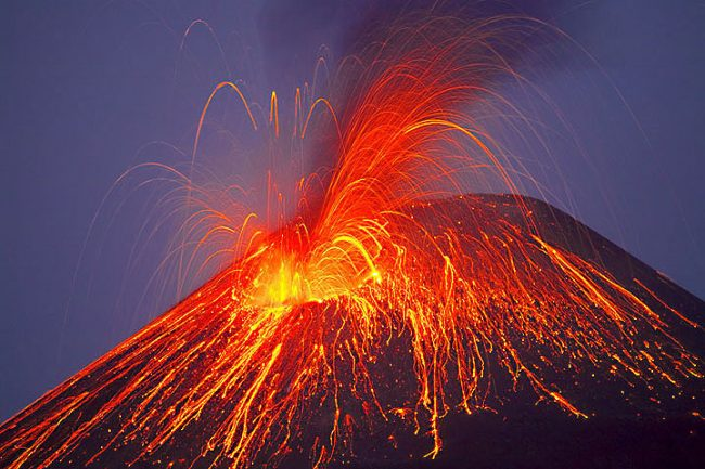 Hawaii Volcano Shows Signs Of Possible Eruption  U00b7 Guardian