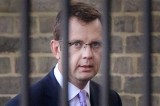 Andy Coulson Sends Reporters Before Police