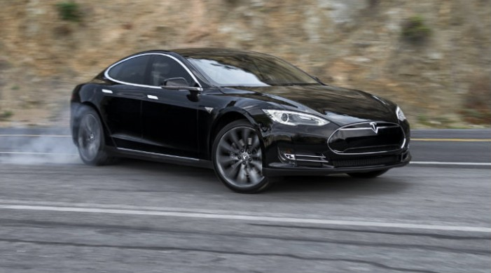Elon Musk Says Tesla Motors Will Create an EV With a 500 Mile Range