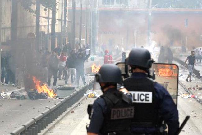 Anti-Semitic Riots in Paris – Again