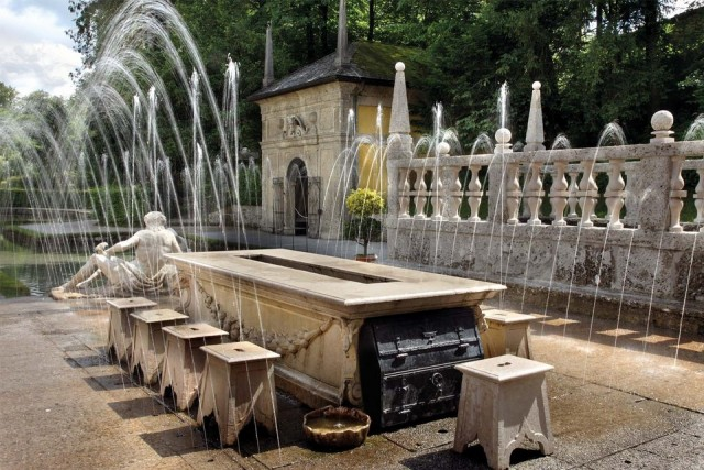 Hellbrunn Palace, trick fountains