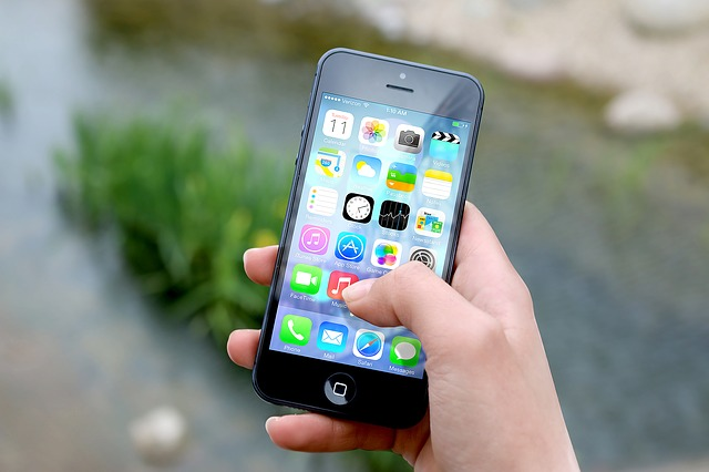 iOS 8 Bugs Mean People Are Downgrading