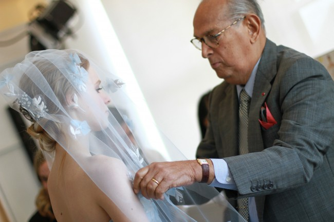 Legendary Designer Oscar de la Renta Dies at 82