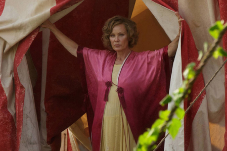 American Horror Story Freak Show Premiere: Life On Mars Genius
