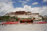 Tibet Warned Not to Fantasize About Independence
