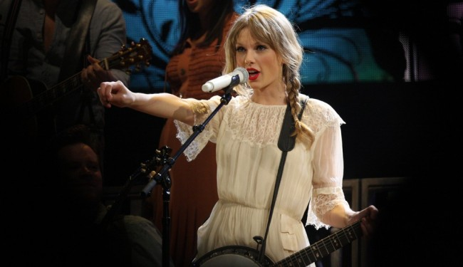 Taylor Swift Called a Hypocrite After Being Hailed for Rant Against Apple