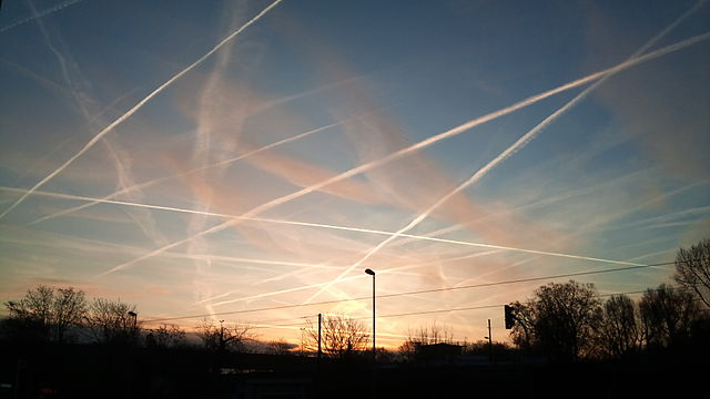 Chemtrails or Contrails and How to Tell The Difference