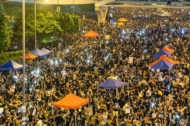 Hong Kong Official Threatens Protesters With Arrest