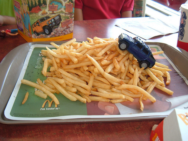 Fast Food May Sink Children's Grades?