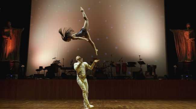 Acrobats Duo Flame Shock The Audience With Epic Dance