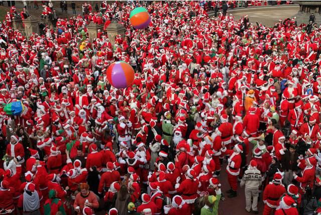 Invasion of the Drunken Santa Claus: New York SantaCon