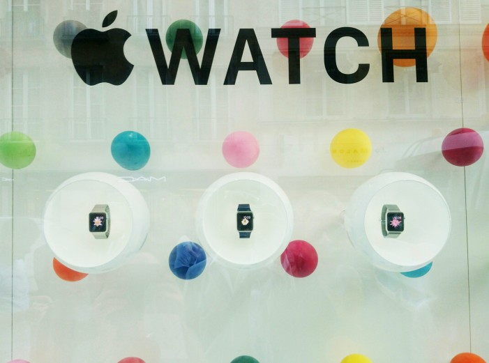 Apple Releases First Macintosh and Soon Their Smartwatch